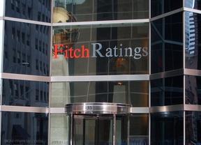 Más leña al fuego: la agencia Fitch baja las notas a ocho autonomías...y el Gobierno aplaza la presentación de sus ejecuciones presupuestarias