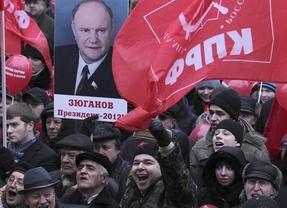 Miles de personas protestan en Moscú por las irregularidades en las elecciones rusas