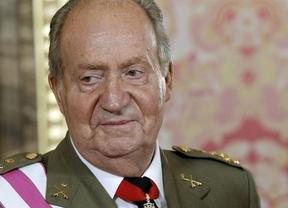 El Rey, animado y con buen humor, se despide de las Fuerzas Armadas con una recepción en el Palacio Real