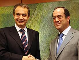Bono mueve ficha: apoya a Rubalcaba para suceder a Zapatero