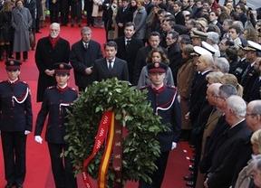 Los políticos superaron sus diferencias para estar juntos en el sobrio acto del 11-M