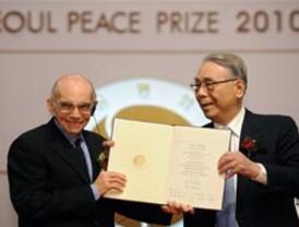 Corea del Sur premia al Maestro José Antonio Abreu