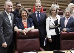 El PP valenciano intenta cerrar filas para volver a las 'sonrisas del pasado'