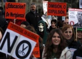 Jornada de conflicitividad social para el Gobierno: las aulas se unen hoy a las protestas de Sanidad e hipotecas