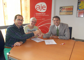 Convenio entre AJE y la Asociación AHIRE en favor de los jóvenes empresarios