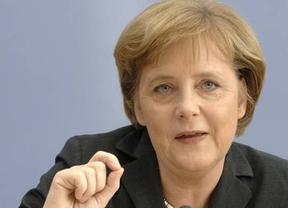 Merkel apuesta por una recapitalización bancaria que la UE niega sopesar