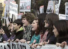 'Marea verde' en Madrid contra la reforma educativa y en pos de la dimisión de Wert