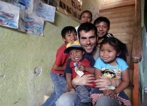Mario Cuenca y la lucha solidaria por la supervivencia: artesanía maya contra la crisis y la pobreza