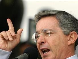 """Bachelet pide """"no caer en alarmismos"""" por la crisis"""