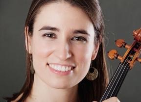 Doble actuación de la violinista Elena Jáuregui, una de nuestras grandes emigradas de lujo