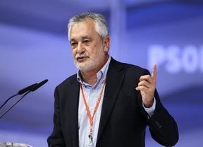 Griñán se suma a la 'guerra' del PSOE: ve un 'error' que Rubalcaba no se sometiera a primarias