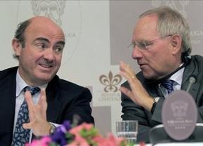 Luis De Guindos anuncia fusiones bancarias en cuestión de días