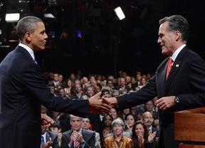 Romney da la vuelta a las encuestas y Obama pide