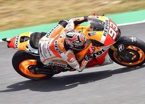 Márquez logra su sexta victoria consecutiva tras un duelo de infarto con Lorenzo