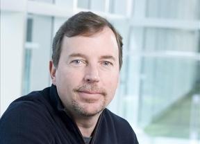 Dimite Scott Thompson, consejero delegado de Yahoo!, por falsificar su currículum
