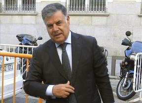 Viera no señala a Chaves ni Griñán en la trama de los ERE y responsabiliza a sus subordinados