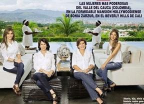 Señoras ricas que lucen a sus esclavas negras