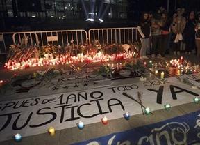 '12 meses = 5 muertes, 0 responsables': vigilia de los familares de las fallecidas en el Madrid Arena hace un año