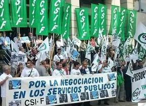 CSI.F se concentra en Toledo para exigir a la Junta la retirada de la rebaja salarial del 3% a los funcionarios