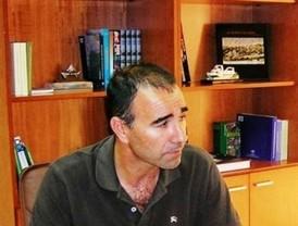 Trabajadores municipales de Barbate impiden la entrada de políticos al Ayuntamiento