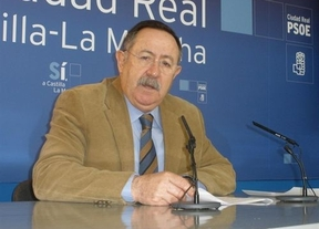 El socialista Antonio Salinas presenta su renuncia como diputado regional