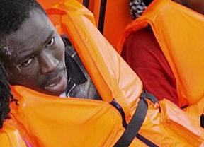 Nueva tragedia cerca de Lampedusa: naufraga una barcaza con 250 inmigrantes a bordo