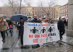 Cientos de personas se manifiestan en Toledo en defensa del empleo público