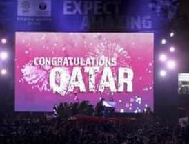Rusia será sede del Mundial de 2018; Qatar, 2022