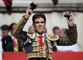 Locura global con José Tomás, que cortó 11 orejas y un rabo e indultó a un toro en Nîmes