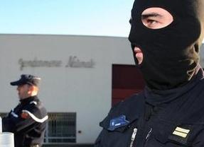 Identificados los dos etarras detenidos en Francia: Etxeberria Aierdi y Lariz Bustunduy
