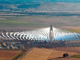 Andalucía pone en marcha 317 MW más de energía termosolar en año y medio alcanzando los 448 MW