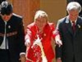 Morales recibe apoyos matizados de colegas ante crisis boliviana