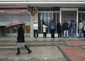 Más de un millón de españoles llevan más de 3 años buscando un empleo