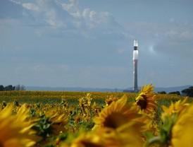 El Rey inaugura el martes Gemasolar, la primera planta solar de torre con almacenamiento de sales
