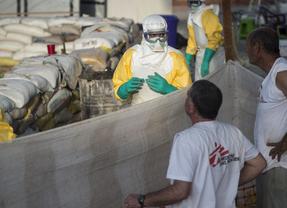 Médicos sin Fronteras comparte sus protocolos con el comité 'anti-ébola'