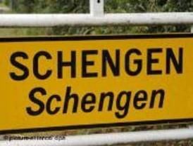 El gobierno francés viola el tratado de Schengen y la carta de Derechos Humanos