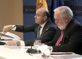 La crisis de Gobierno podría posponerse hasta el verano con la salida más que probable de Luis de Guindos