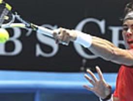 Nadal ni se despeina en su debut, con su rival retirado (6-0, 5-0)