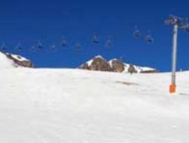 Las estaciones de esquí de San Isidro y Leitariegos estrenan páginas con dominios propios
