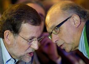 El 'plan' de Rajoy contra la consulta comienza con la visita de Montoro a Barcelona para rebatir los planes soberanistas