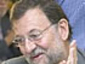 De Cospedal niega que haya dos 'varas de medir' a los imputados del PP
