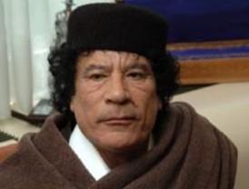 EEUU presiona a Gadafi y moviliza fuerza militar