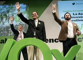 Santiago Abascal, nuevo secretario general de VOX y Vidal-Quadras, presidente