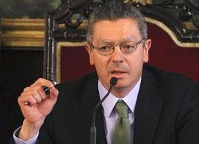 El Gobierno se mete de lleno en la 'guerra' del CGPJ con la tijera por delante
