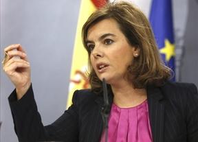 Continúa la 'pelea' por los Mossos: Sáenz de Santamaría recuerda que deben defender la legalidad ante el 9-N