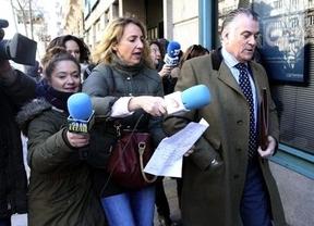Bárcenas entra a declarar ante la Fiscalía Anticorrupción entre decenas de cámaras y micrófonos