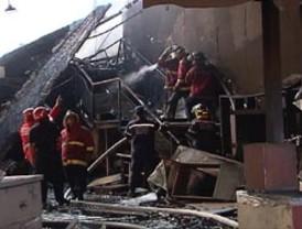 Incendio consumió mueblería en la avenida Nueva Granada