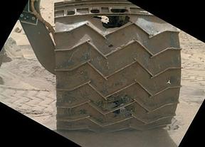 El Curiosity cambia su ruta marciana por el mal estado de sus ruedas
