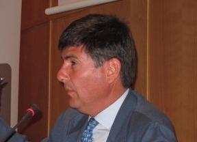 Iberia y sindicatos aceptan a Manuel Pimentel como mediador en el conflicto