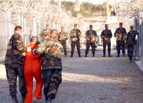 España 'mete en el cajón' la causa contra el gobierno de Bush por Guantánamo